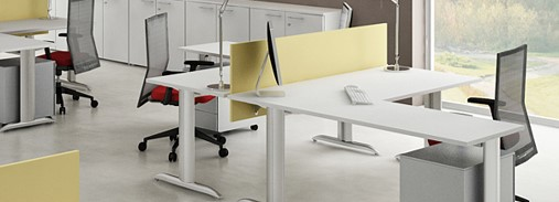X2 Cantilever Desk with Screen